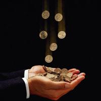 Финансисты подталкивают заемщиков к досрочному погашению выданных до кризиса дешевых кредитов