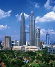 В Куала-Лумпуре строят небоскреб